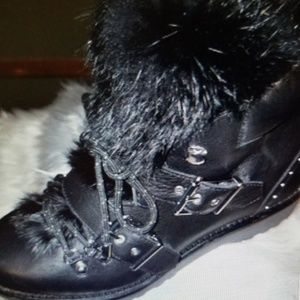 NWT Gianni Bini Fur and Leather Boots